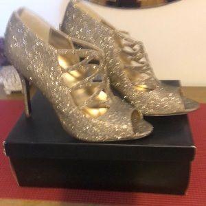 Pewter glitter shoe